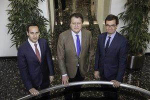 De izquierda a derecha, Alberto Madrigal, Rafael Barraquer e Ignacio Elizalde.