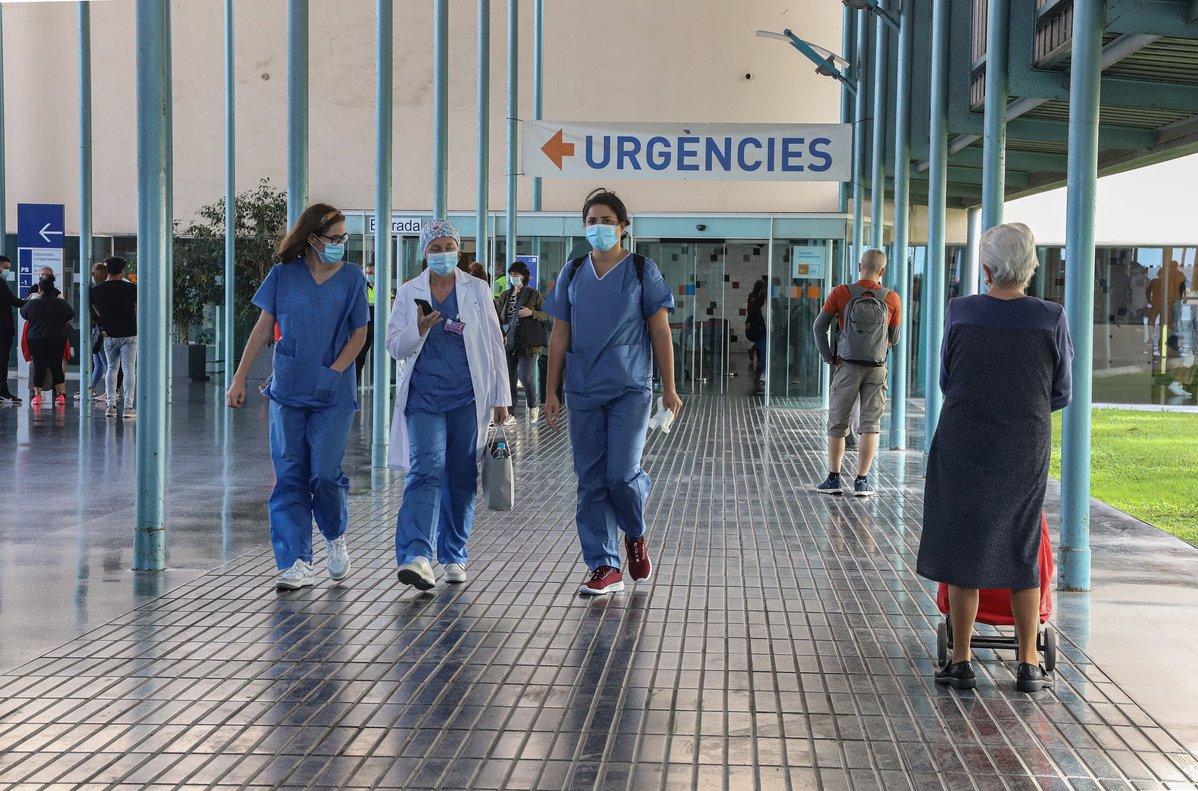 Metges de Catalunya defensen un «confinament total» abans de l'arribada de la grip