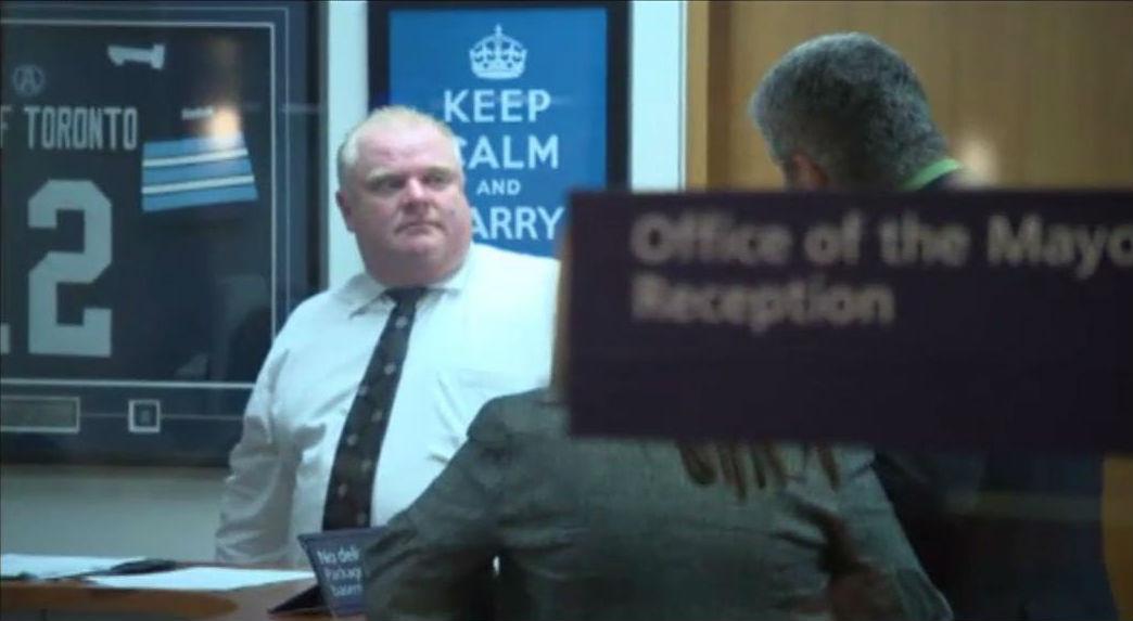 El alcalde de Toronto deja el cargo por su addicción al crack.
