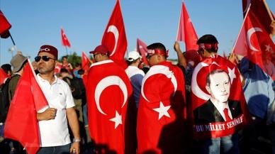 Erdogán consolida su poder dos años después del fallido golpe de Estado