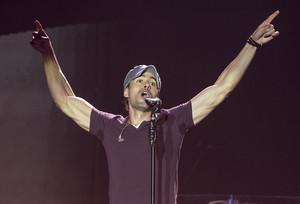 Enrique Iglesias durant un concert a Barcelona el novembre del 2014.