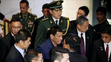 Duterte abofetea a EEUU en Pekín y confirma el giro de Filipinas hacia China