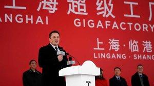 Elon Musk en la puesta en marcha de los trabajos de su Gigafactoria de Tesla en Shanghai.