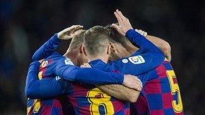 Felicitaciones a Busquets por su goldurante el partido de Liga entre el Barca y el Celta.