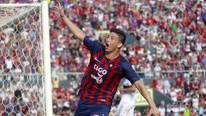 Fernando Ovelar, el futbolista de 14 años que ha hecho historia al marcar en el clásico paraguayo