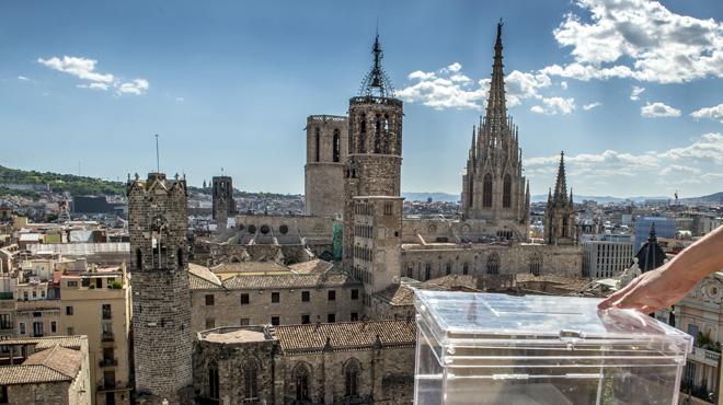 La fiscalía prepara una querella cor la compra de urnas por parte de la Generalitat.