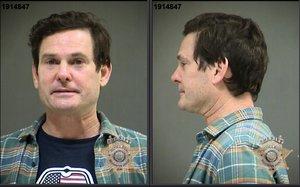 Foto de la ficha policial de Henry Thomas, tras ser detenido en Oregon por ir ebrio al volante.