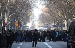 La Gran Via de Barcelona, cortada.
