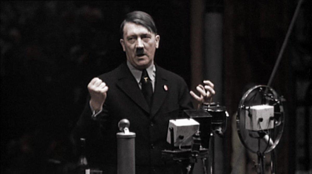 Hitler, durante un discurso a trabajadores de la empresa Siemens, en 1933.