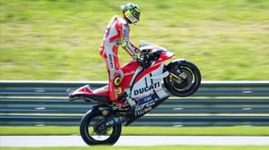 Iannone celebra su primer triunfo en Moto GP
