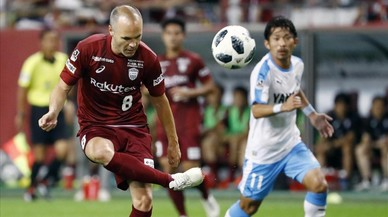Iniesta firma una obra de arte en su primer gol en Japón