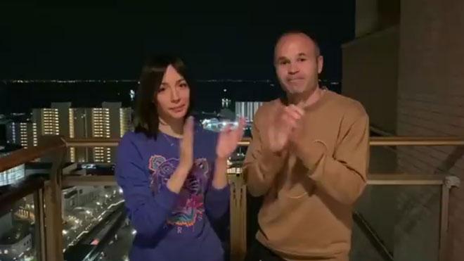Iniesta envía su aplauso de apoyo a los sanitarios desde Japón.