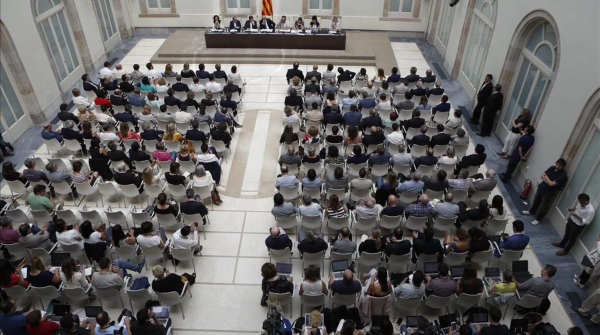 Acto de presentación de la ley del referéndum en el auditorio del Parlament.