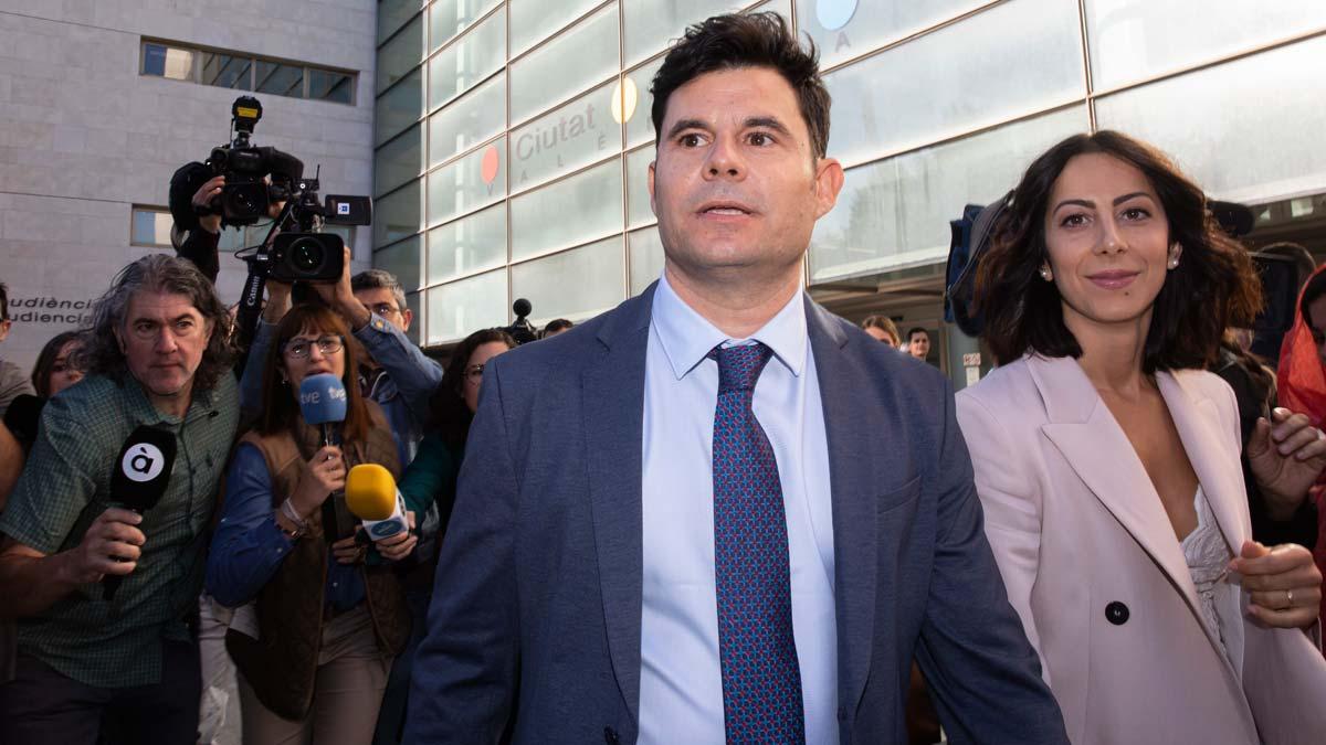 Juicio en Valencia para esclarecer si Javier Santos es hijo de Julio Iglesias.