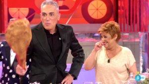 Kiko Hernández troleado por Terelu Campos en 'La última cena'.