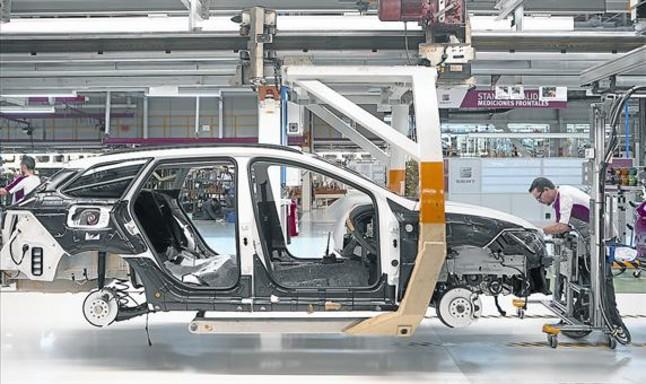 Línea de producción de la fábrica de Seat en Martorell.