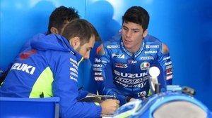 El mallorquín Joan Mir, en el box de Suzuki, en Jerez.