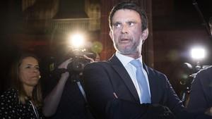 Valls, en un acto enBarcelona en abril.