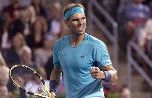 Nadal comenzó el partido como le gusta, sacando y llevándose el primer juego.