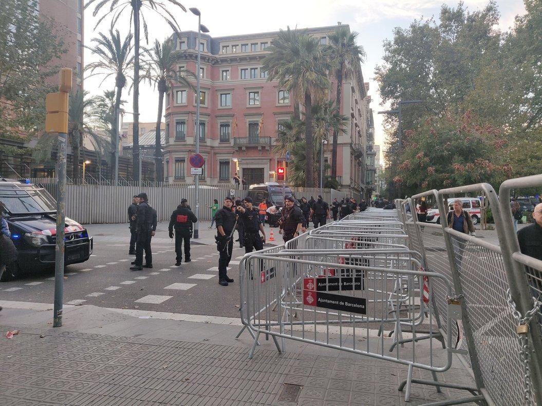 Mossos et Policía