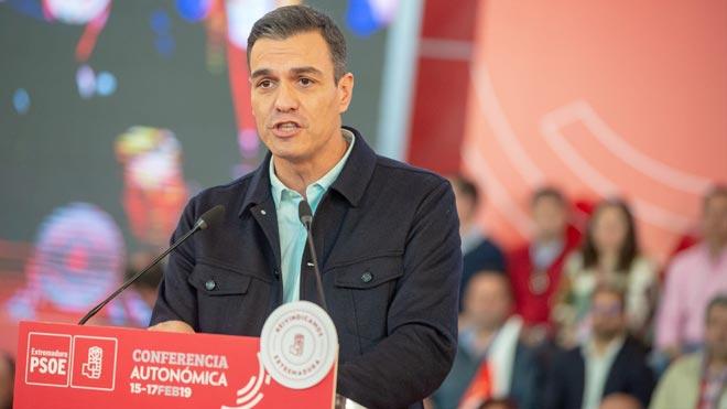 Pedro Sánchez acusa al PP de querer retroceder 40 años .