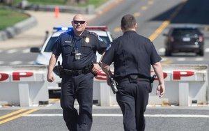Policía de los Estados Unidos en oeprativo.