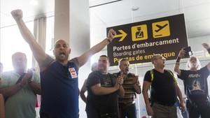 Protesta de los trabajadores de Eulen en El Prat.