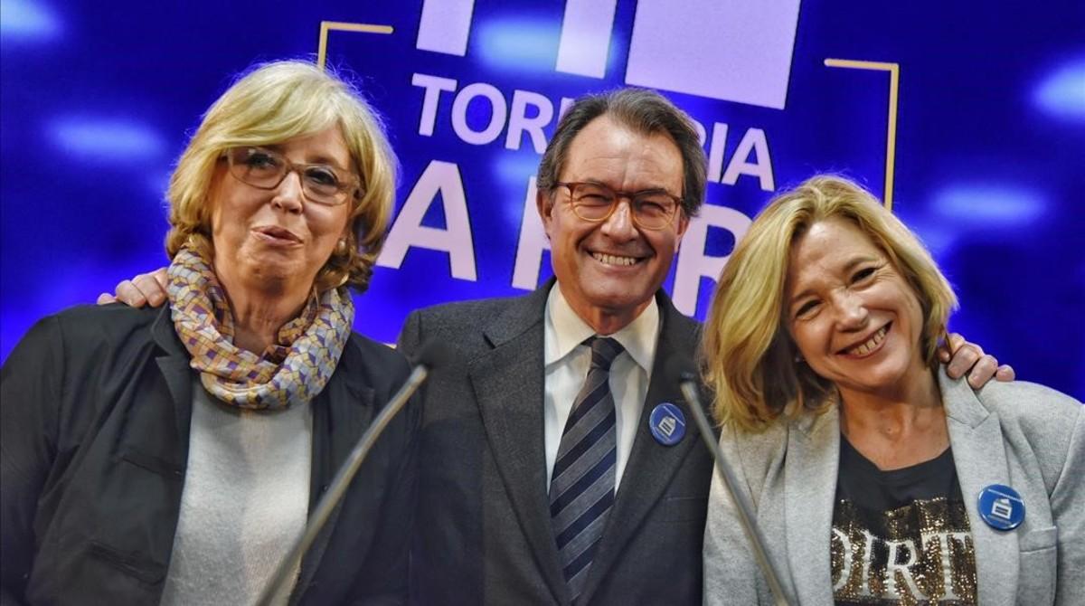 Rigau, Mas y Ortega, en la sede del PDECat.