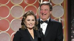 Roseanne Barr y John Goodman, protagonistas de la serie de la cadena ABC Roseanne.