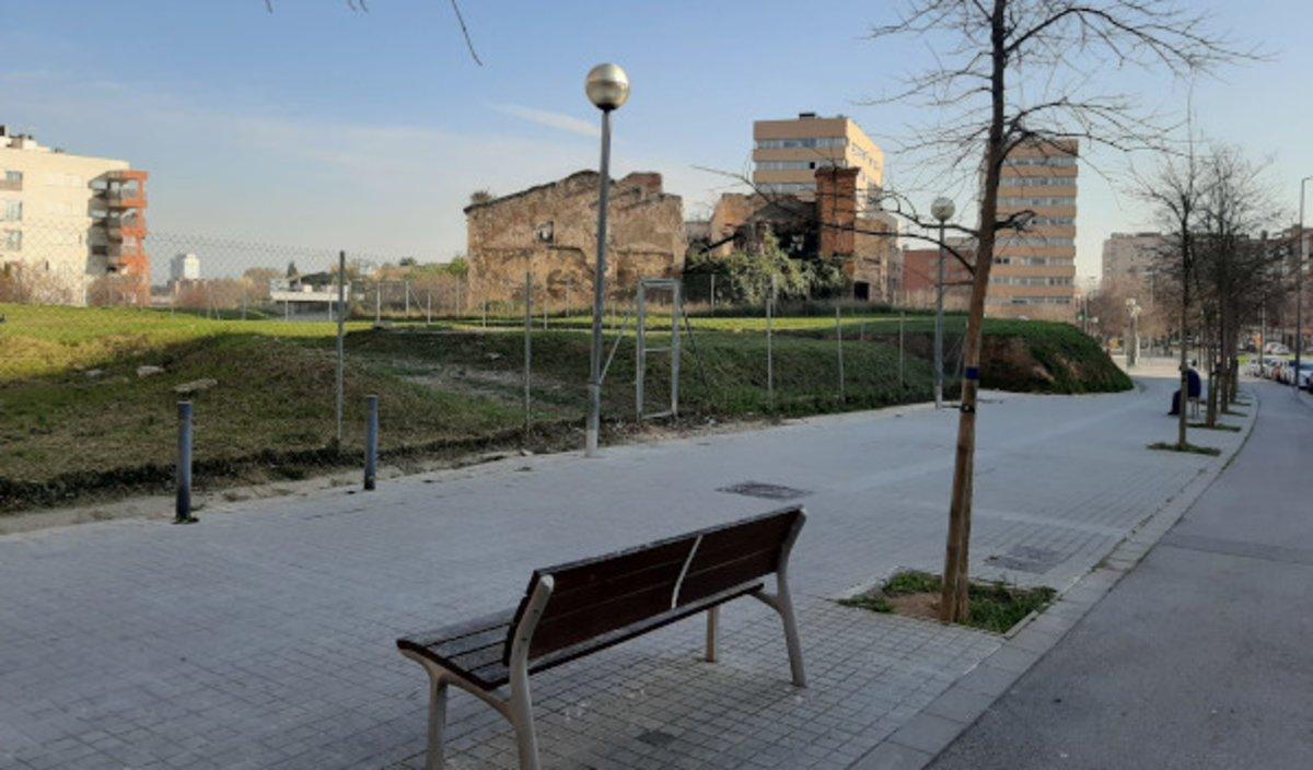 Solar donde se construirá el nuevo CAP de Can Llong de Sabadell.