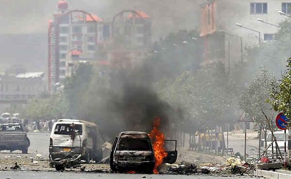 Un grupo de terroristas talibanes ha atacado la mañana del lunes el Parlamento de Afganistán.