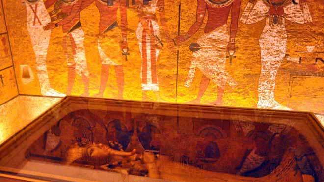 La tumba de Tutankamón renace tras una década de restauración.