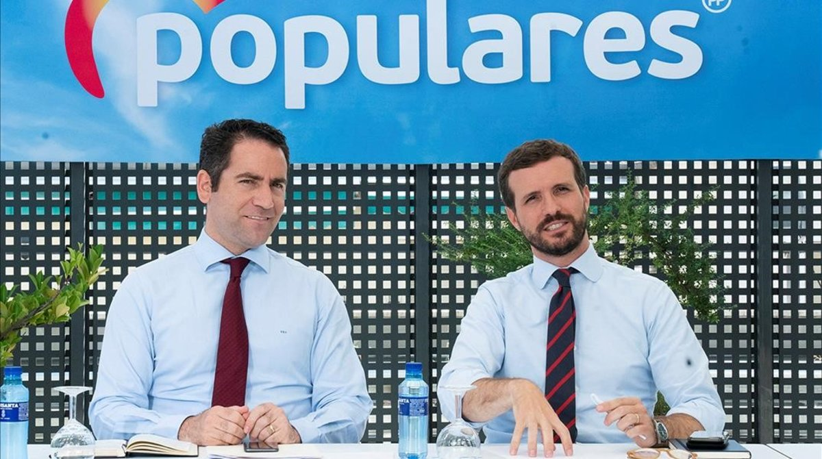 El secretario general del PP, Teodoro García Egea, y el presidente del partido, Pablo Casado, el pasado martes en la sede de Génova.