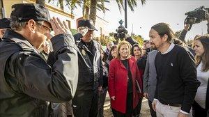 El vicepresidente segundo del Gobierno, Pablo Iglesias, junto a la secretaria de Estado para la Agenda 2030, Ione Belarra, en Dénia, Valencia