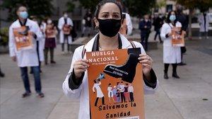 Concentración en Madrid con motivo del inicio de la primera huelga nacional de médicos en 25 años..
