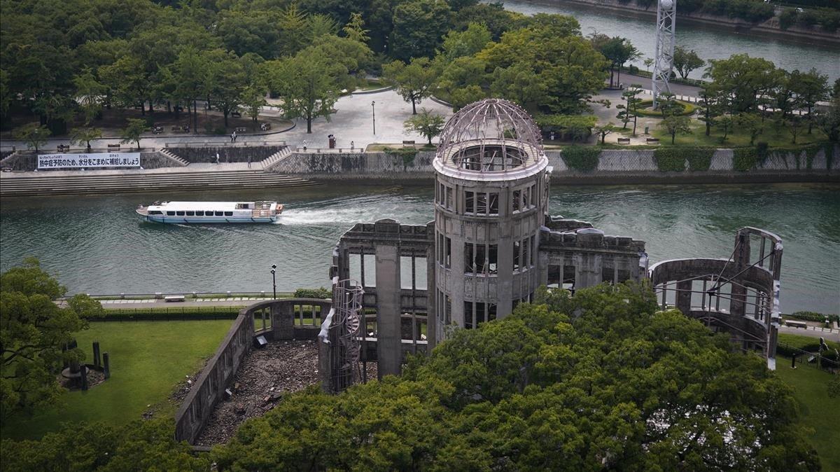 Vista de la Cúpula de la Bomba Atómica, en el parque del Memorial de la Paz de Hiroshima, este jueves.