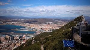 Vista de La Línea de la Concepción desde el Peñon de Gibraltar, el 14 de diciembre del 2016.
