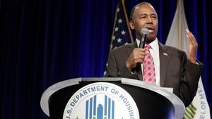 """L'únic negre del Govern de Trump diu que els esclaus eren """"immigrants"""""""