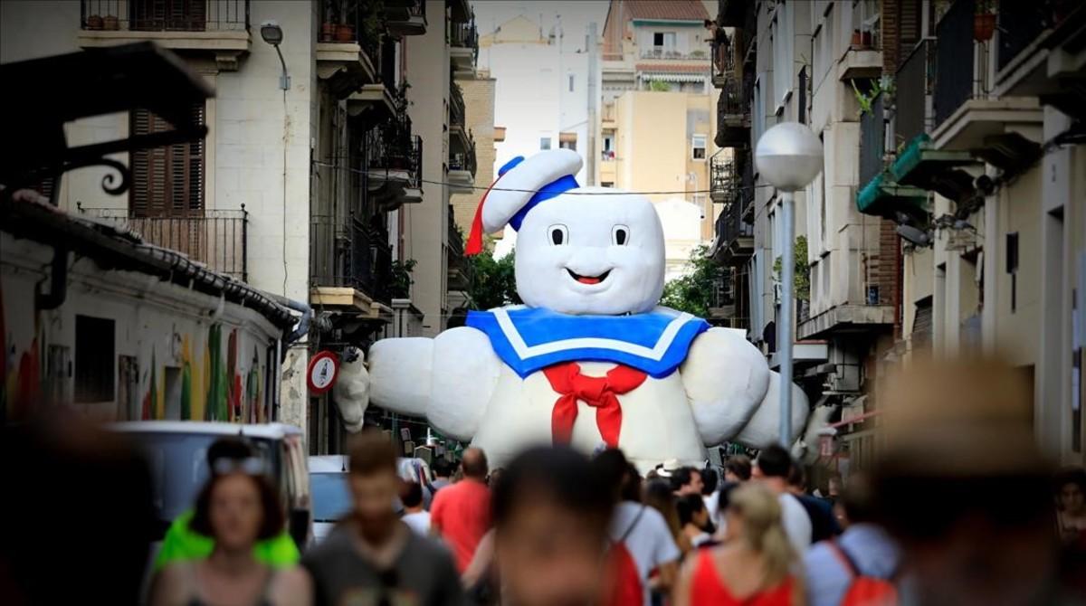 Entrada del universo Cazafantasmas de la calle de Puigmartí, este martes.