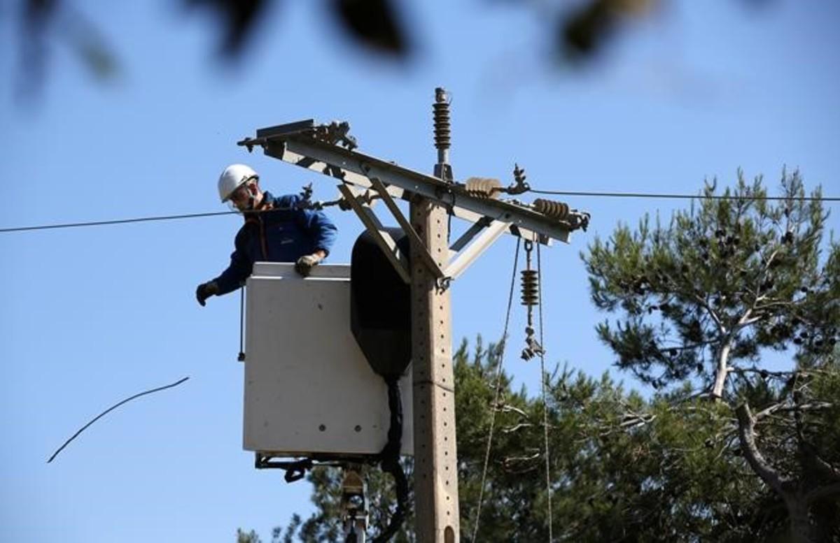 Retirada de torres y cableado eléctrico en Collserola