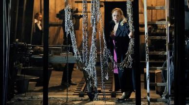 Domingo debuta en Bayreuth como director, pero no triunfa