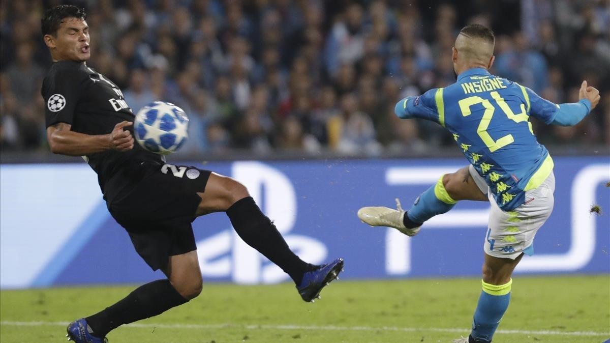 Nàpols i PSG prenen aire amb l'empat (1-1) i el daltabaix del Liverpool