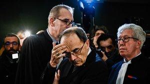 El cardenal de Lyon, Philippe Barbarin, a la entrada del juzgado en el que iba a ser procesado, este lunes.