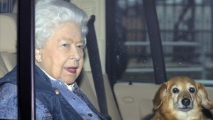 Isabel II va estar a Buckingham amb personal infectat