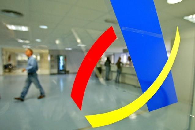 Hacienda tiene deudas por cobrar por casi millones for Oficina de registro barcelona