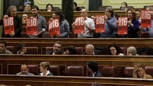 undefined33597237 madrid 19 04 2016 pleno en el congreso de los diputados 161011230315
