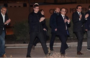 Los exconsellers Raül Romeva, Carles Mundó, Jordi Turull y Josep Rull salen de la prisión de Estremera