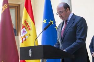 Pedro Antonio Sánchez anunció su dimisión el 4 de abril de 2017