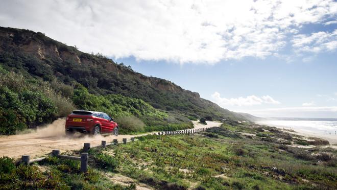 El Range Rover Evoque se mueve bien tanto dentro como fuera de la ciudad.