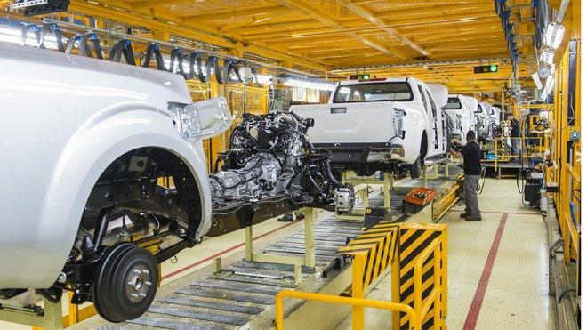 Los trabajadores de Nissan plantan a la dirección
